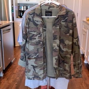 Women's Medium Sanctuary Camo Button Up Jacket